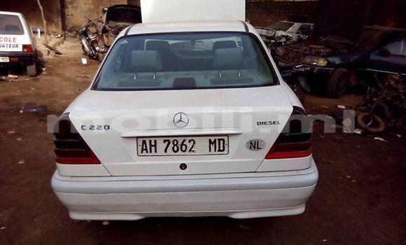 Acheter Occasion Voiture Mercedes‒Benz C-Class Blanc à Bamako au Mali