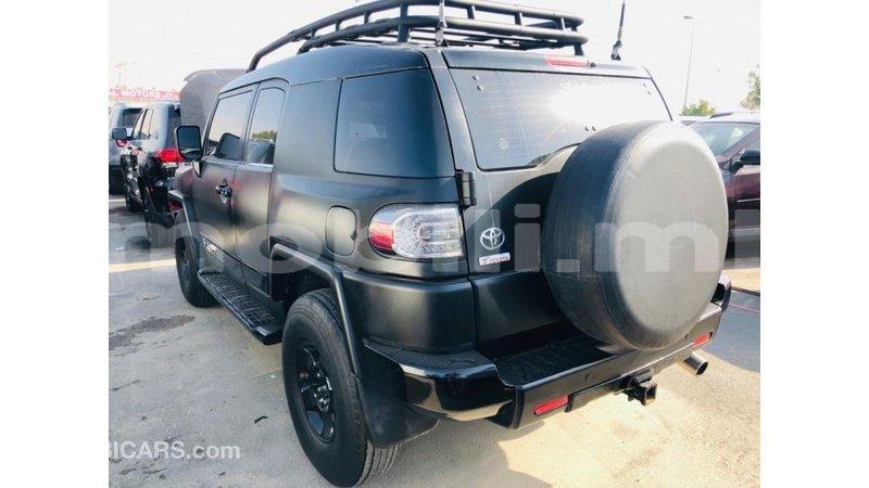 Big with watermark toyota fj cruiser mali import dubai 8555