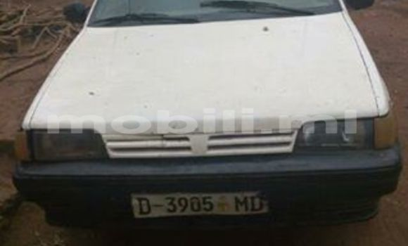 Acheter Occasion Voiture Nissan Sunny Blanc à Bamako au Mali