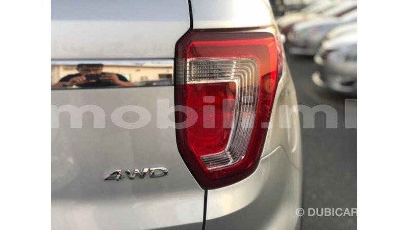 Big with watermark ford explorer mali import dubai 8658