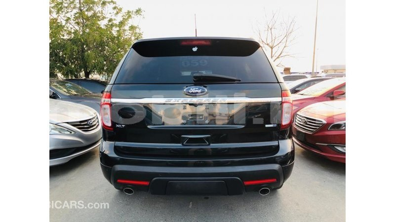 Big with watermark ford explorer mali import dubai 8719