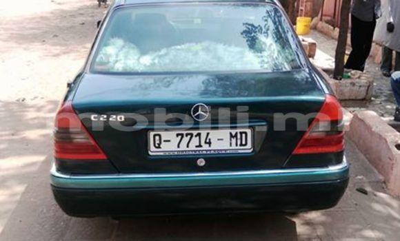Acheter Occasion Voiture Mercedes‒Benz C–Class Vert à Bamako, Mali