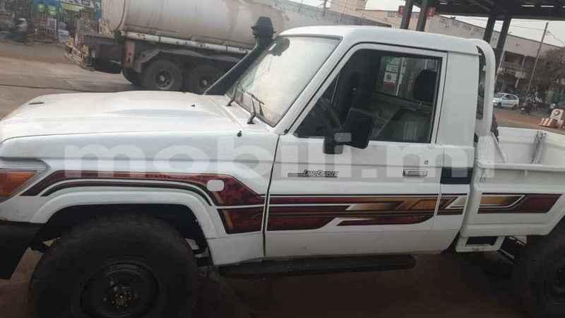 Big with watermark toyota land cruiser mali bamako 9221