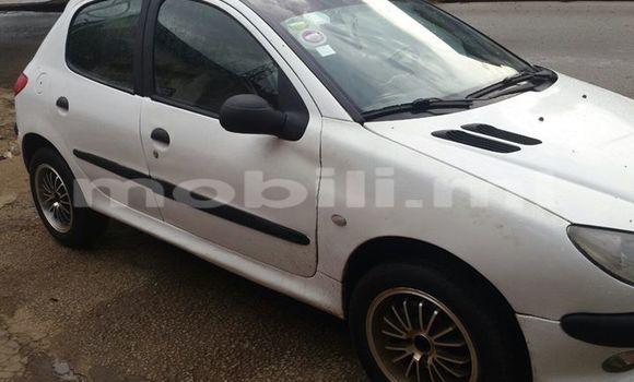 Acheter Occasion Voiture Peugeot 206 Blanc à Bamako au Mali