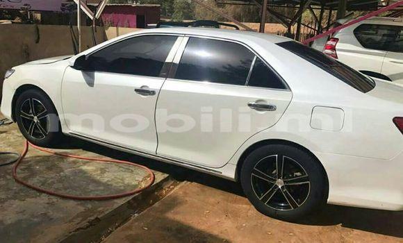 Acheter Occasions Voiture Toyota Camry Blanc à Bamako au Mali