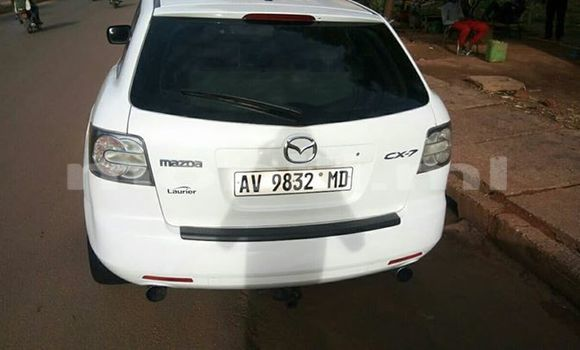 Buy Used Mazda CX-7 White Car in Bamako in Mali