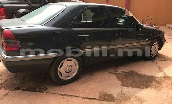 Acheter Occasion Voiture Mercedes-Benz C–Class Noir à Bamako, Mali