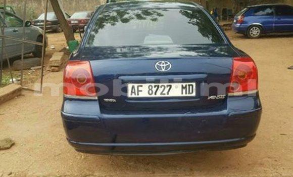 Acheter Occasion Voiture Toyota Avensis Bleu à Bamako au Mali