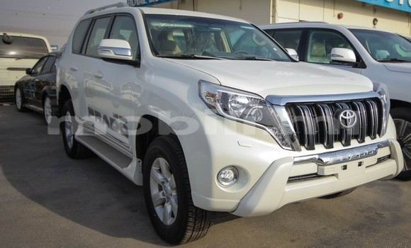 Acheter Occasion Voiture Toyota Prado Blanc à Bamako, Mali