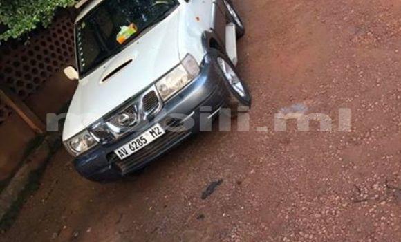 Acheter Occasion Voiture Nissan Terrano Blanc à Bamako au Mali