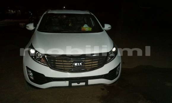 Buy New Kia Sportage White Car in Gao in Mali