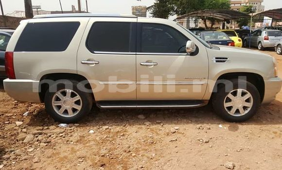 Acheter Occasion Voiture Cadillac Escalade Blanc à Bamako au Mali
