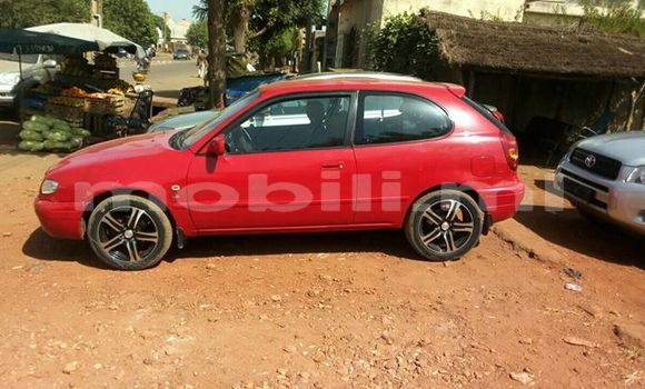 Acheter Occasion Voiture Toyota Corolla Rouge à Bamako au Mali