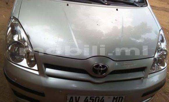 Acheter Occasions Voiture Toyota Verso Gris à Bamako au Mali