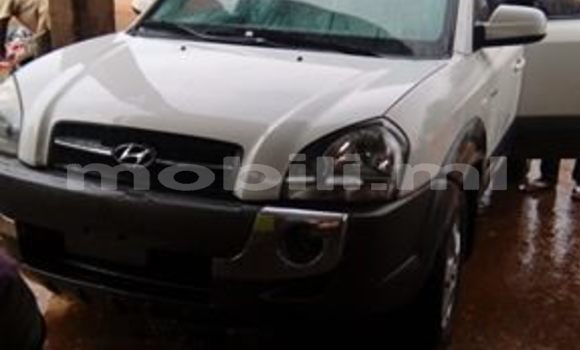Acheter Occasion Voiture Hyundai Tucson Rouge à Bamako au Mali