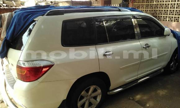 Acheter Occasion Voiture Toyota Highlander Blanc à Bamako, Mali