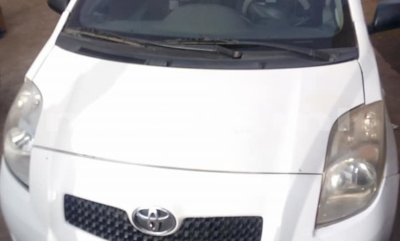Acheter Occasion Voiture Toyota Yaris Blanc à Bamako au Mali