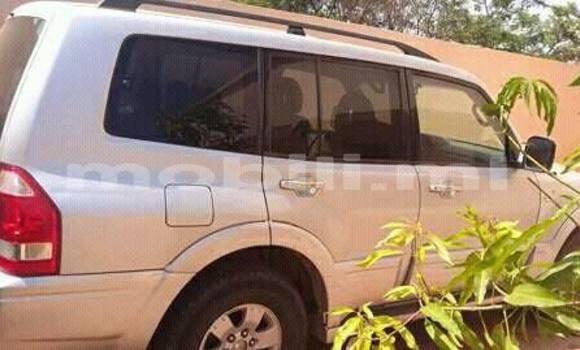 Acheter Occasion Voiture Mitsubishi Pajero Blanc à Bamako au Mali