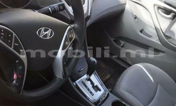 Acheter Occasion Voiture Hyundai Elantra Rouge à Bamako au Mali