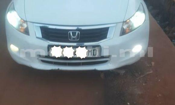 Acheter Occasion Voiture Honda Accord Blanc à Bamako au Mali