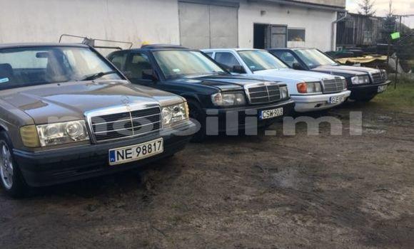 Acheter Occasion Voiture Mercedes‒Benz 190-Series Noir à Bamako au Mali