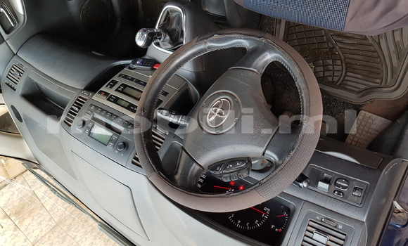 Acheter Occasion Voiture Toyota Verso Bleu à Bamako au Mali