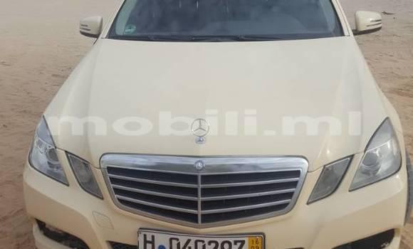 Acheter Occasion Voiture Mercedes‒Benz E-Class Beige à Bamako au Mali