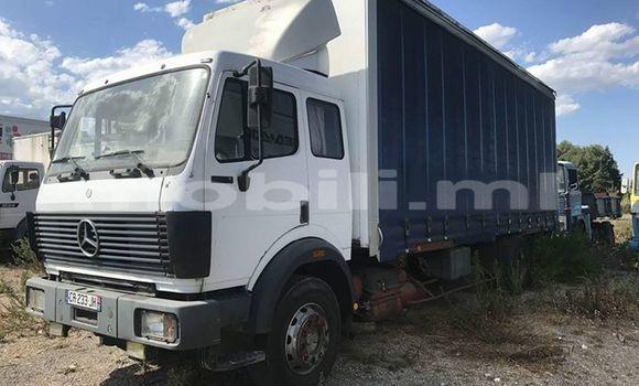 Acheter Occasion Utilitaire Mercedes‒Benz Truck Blanc à Bamako au Mali