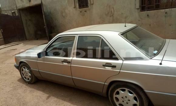 Acheter Occasion Voiture Mercedes‒Benz 190 Beige à Bamako au Mali