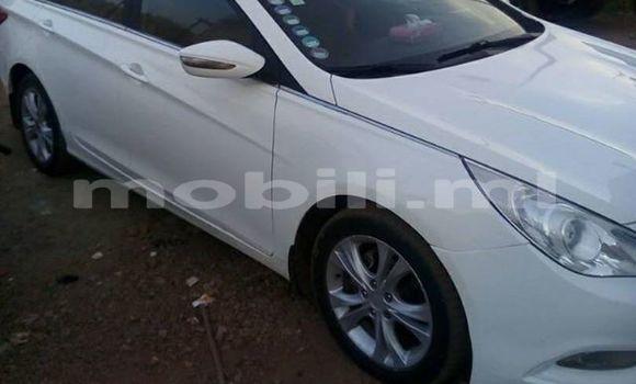 Acheter Occasion Voiture Hyundai Sonata Blanc à Bamako au Mali