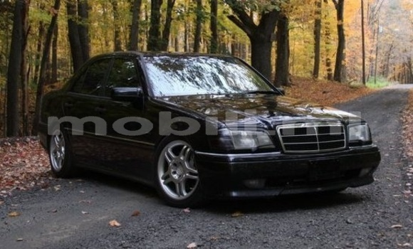 Medium with watermark mercedes class c