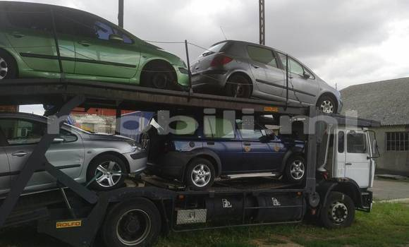 Acheter Occasion Utilitaire Renault G300 Blanc à Bamako au Mali