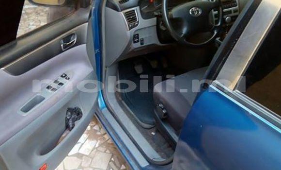 Acheter Occasions Voiture Toyota Avensis Bleu à Bamako au Mali