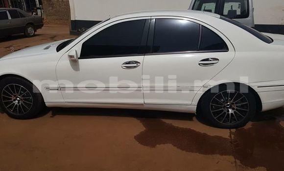 Acheter Occasions Voiture Mercedes‒Benz C-Class Blanc à Bamako au Mali
