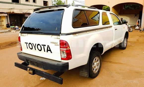 Acheter Occasions Voiture Toyota Hilux Blanc à Bamako au Mali