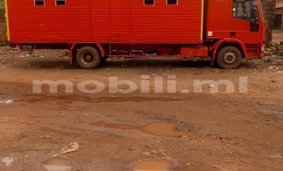 Acheter Neuf Voiture Volvo 990 Rouge à Bamako au Mali